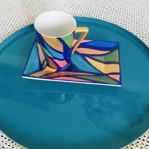 tasse à café forme conique porcelaine avec soucoupe rectangulaire